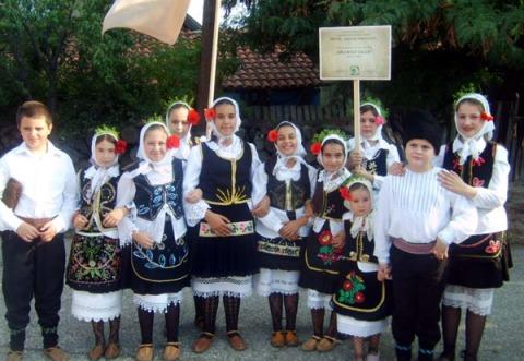 Pionirski folklor iz Slatine *** Foto: D.Dimitrijević
